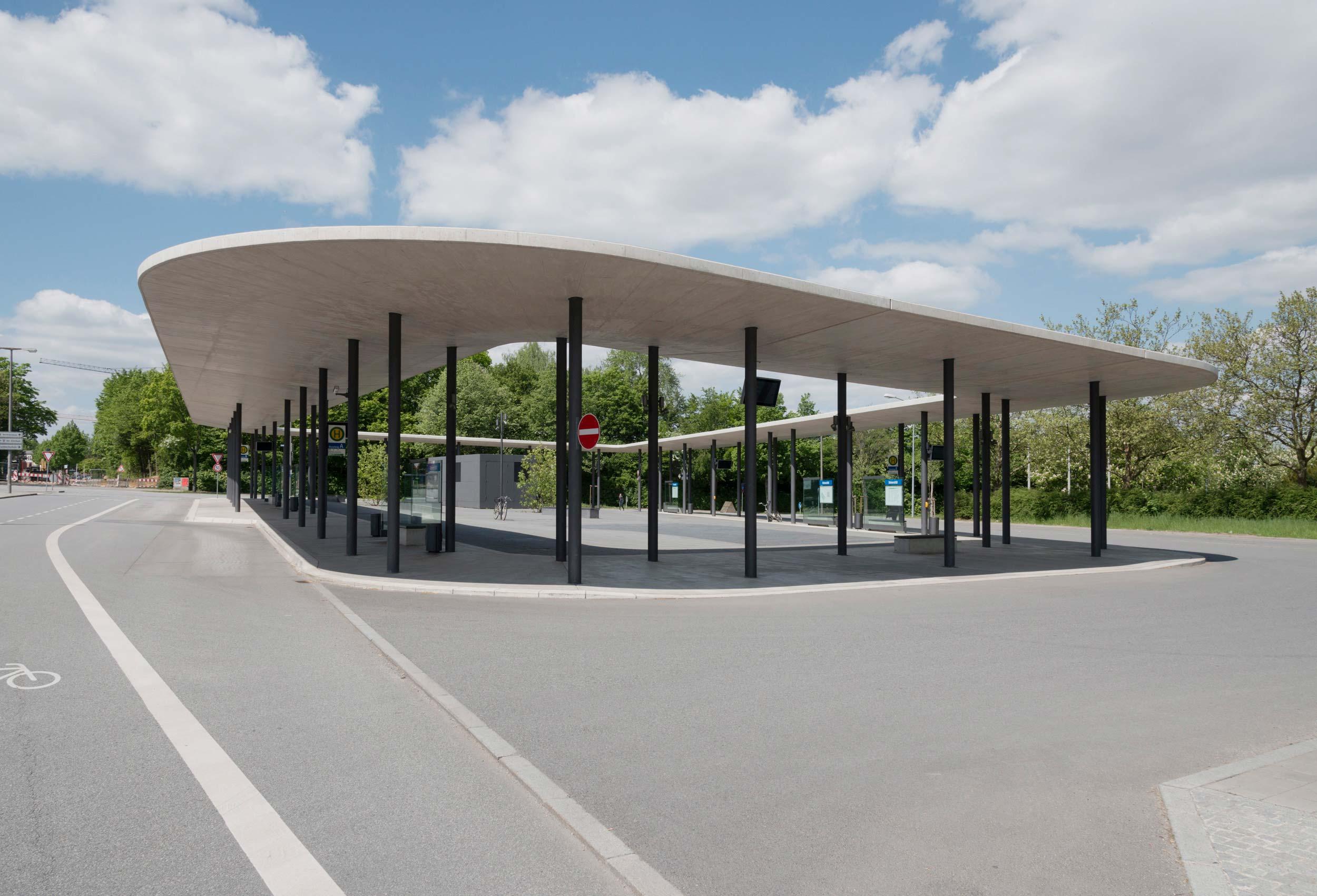Zentraler Omnibusbahnhof der Universität Regensburg